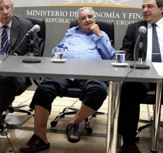 Mujica e as sandálias da humildade