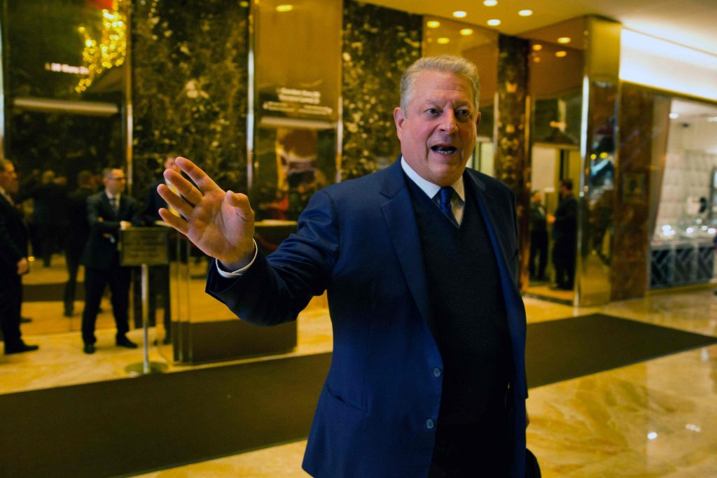 Former US Vice President Al Gore leaves after meetings at Trump Tower in New York City on December 5, 2016. / AFP PHOTO / DOMINICK REUTER