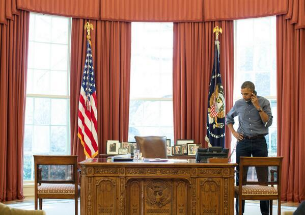 Obama_on_phone_with_Putin.jpg